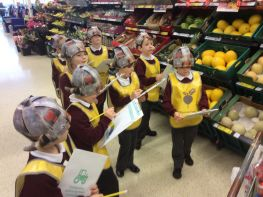 Ag foghlaim faoi bhia le TESCO! Learning about food with TESCO!